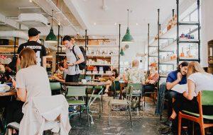 飲食店経営者必見!!|外食に関する販促アプリの成功事例を紹介