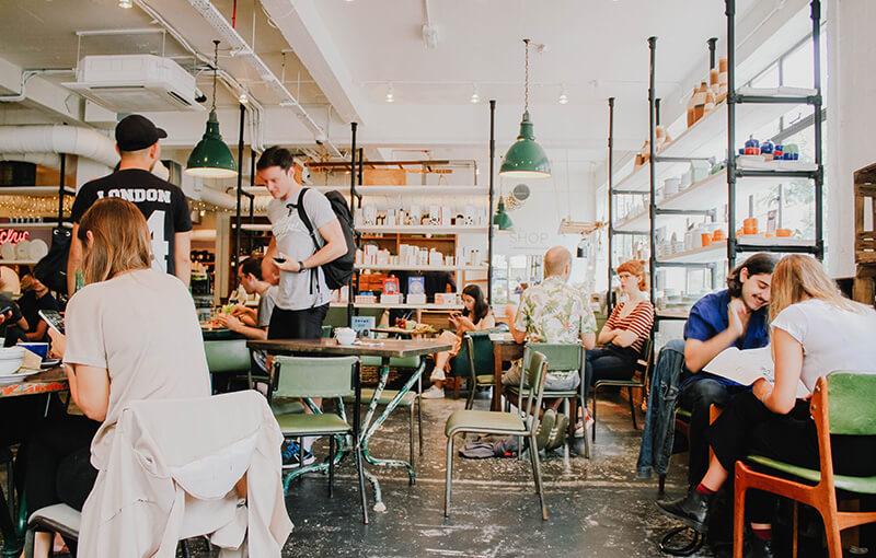 飲食店経営者必見!!外食に関する販促アプリの成功事例を紹介