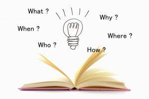 本と豆電球の画像